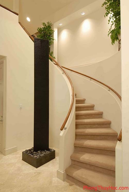 staircasedesignsforhomesbeautifulstaircasedesigngalleryphotoskeralahome 1377081343 Bố trí cầu thang mang lại vượng khí